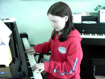 Hannah Manning on the piano